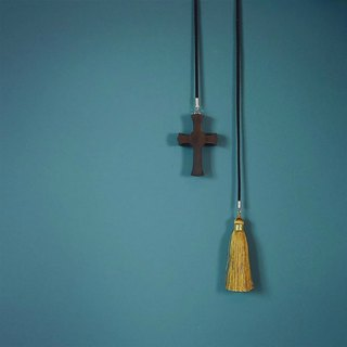 Cross | Violet Tan handmade fringe car bag hanging simple wild safe and elegant atmosphere of pure copper accessories girlfriends small things birthday gift hand-made new Chinese purple sand boxwood carving accessories | Ye Luo original wooden wood jewelry