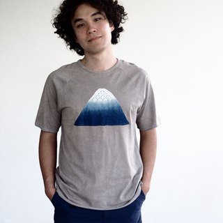 GREY. The Blue Mountain Peak. Organic unisex natural dyed t-shirt