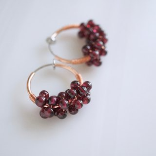 ITS-313 [Gemstone Earrings] Garnet/Hoop Earrings. Ear clip ear earrings.
