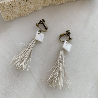 """Blue and white"" linen tassel and shell earrings / earrings"