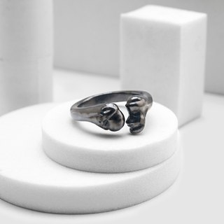 Thigh bone ring (black silver)