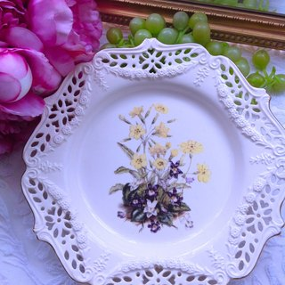 British porcelain Royal creamwar hand-painted yellow rose antique cake plate snack plate plate fruit plate