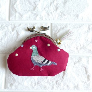 Red embroidery pigeon red