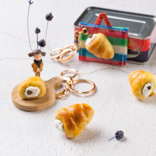 [For hand-made wool felt] cream spiral bread (magnet / pin / key ring variety optional)