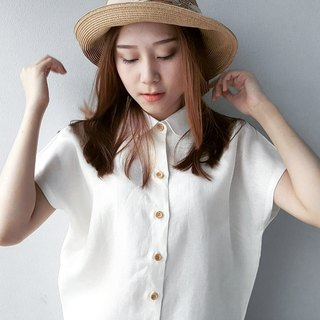 Linen Shirt with Wooden buttons (Short-sleeved)-White