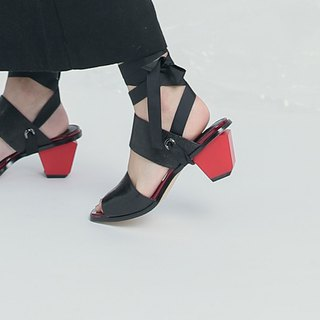Ribbon wrapped two wear coarse leather sandals black and red with