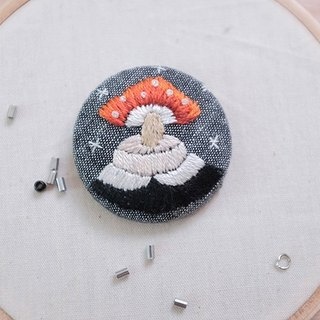 by.dorisliu- Mushroom girl hand embroidery brooch