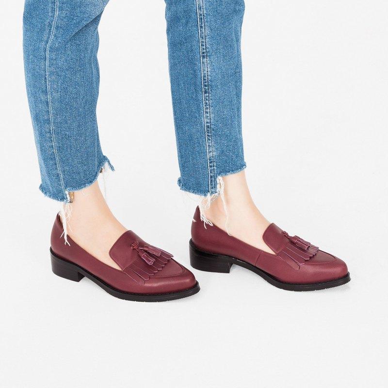 齊瀏海飾片!寬楦小流蘇樂福鞋 紅 MIT 全真皮-桑染紅