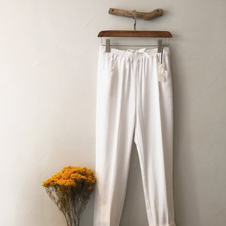 RH clothes / cotton slacks / white
