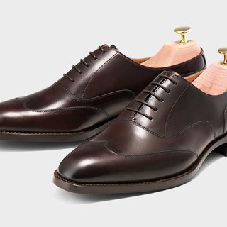 Chestnut color minimalist carved Oxford models
