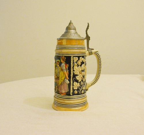 1960 German vintage clamshell ceramic tankard