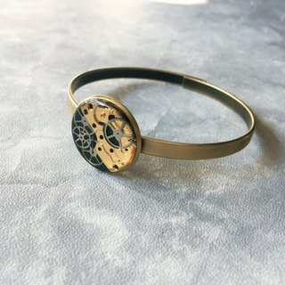 Frozen Time | Bronze Gear Bracelet