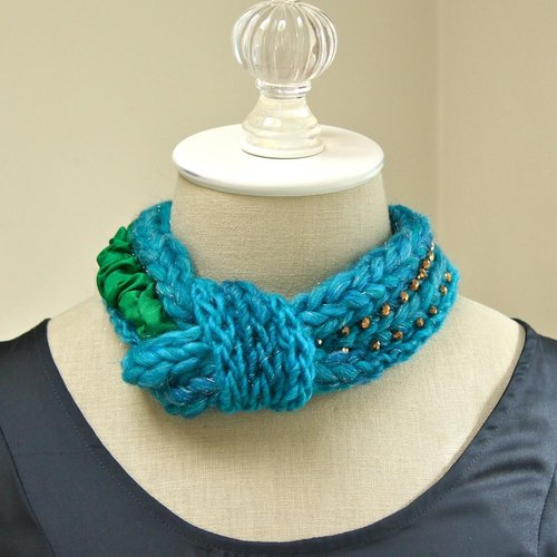 Knit knot necklace Teal