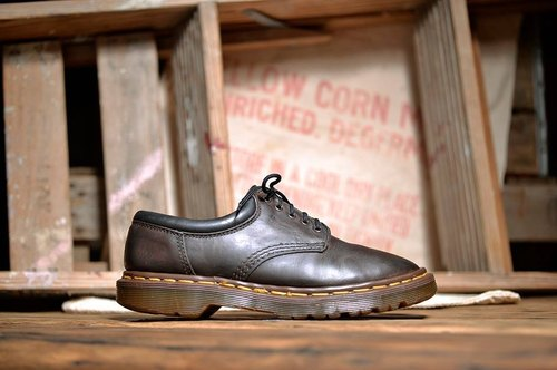 《Dr. Martens Shoes》復古咖啡 work 系列DME13