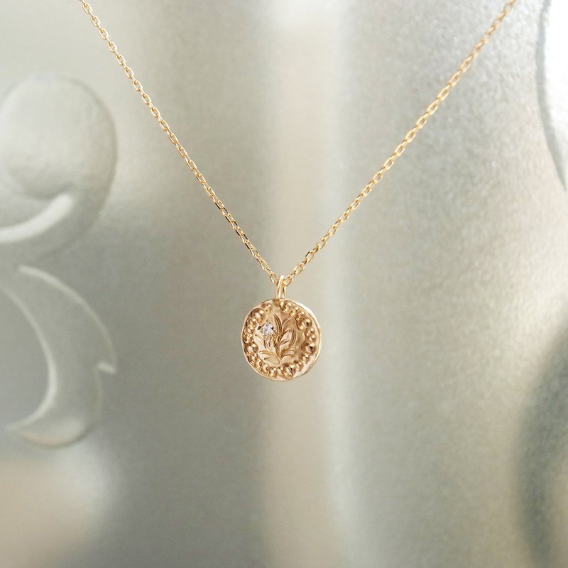 Moon Flower 18K Gold Gold Handmade Necklace Grained with Diamonds