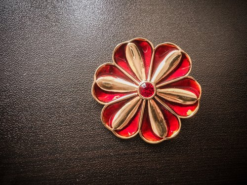 European Small Things | copper flower brooch red wine