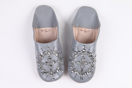 Babouche / Slipper / beautiful embroidery handmade baboosh / Tiara / unique design / gray / slippers