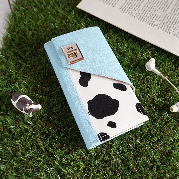 iPhone7 / 6 / 6S ◆ cattle ◆ notebook type Sumahokesu [White × Light Blue]