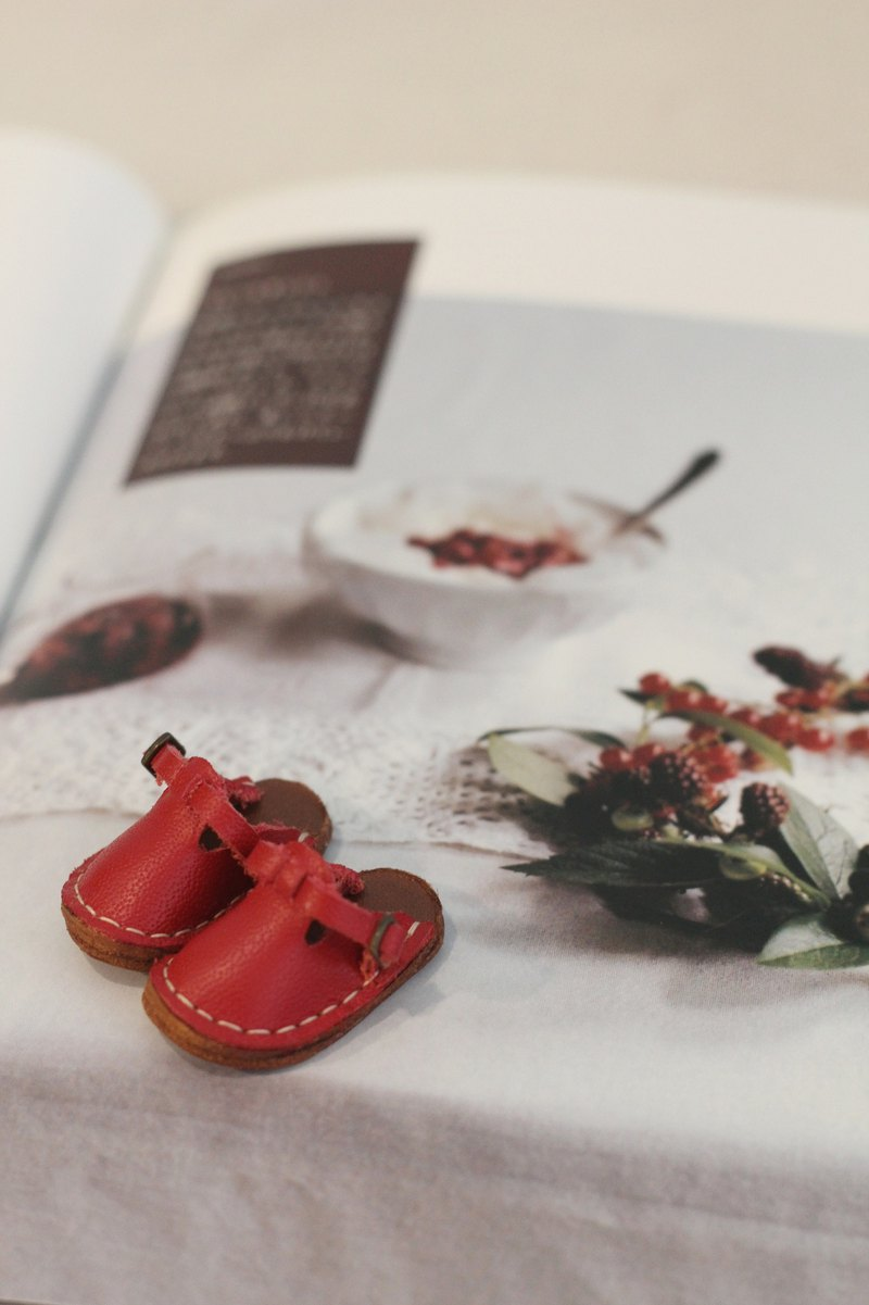 Handmade baby red leather shoes, cloth, Licca Lika, Holala baby can wear