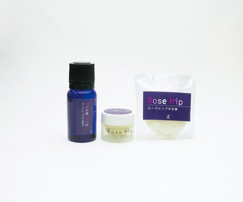 Rose Hip Cosmetics Travel Set 3 products made of a small amount of portable products, is a very cost-effective to go out with sets. Set Contents: Lotion (10ml), Skin Care Cream (3g), Hand Soap (15g)