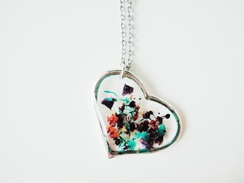 Heart Floral Necklace-16S- green heart-shaped purple necklace / handmade handmade / gift ornaments