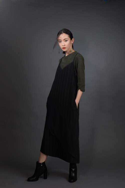 Mountains myriad Dress (Black)