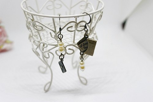 * _ * Letter alloy double hook earrings - asymmetrical series -