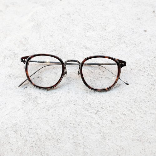 [Objective Programmes firm] new Japanese exquisite handmade titanium sheet metal design + glasses frame tortoise shell gun