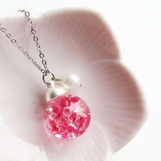 *Rosy Garden*Rosy pink crystal water inside glass ball necklace (1.6cm diameter)