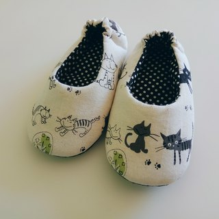 Cat indoor shoes baby shoes shoes 17 cm long (for foot length 15 cm) spot