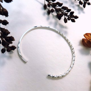 Light and shadow swing sterling silver C-shaped bracelet