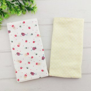Optional cloth. Strawberry rabbit x little bit. Japan six-yarn double-sided strap bibs / scarves saliva towel (2 / group)