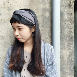 Hand-made cross-skin hair band / gray