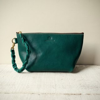 "【Order production (delivery time approx. 10 days)】 JAPAN leather * Nume leather clutch pouch ""barco"" M (bottle green)"