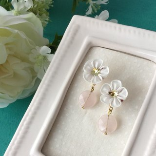 Flower Tsumugi × rose quartz earrings