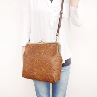 Dad said that the peacock 25CM large capacity shoulder bag / mobile phone bag / mouth gold bag [made in Taiwan]
