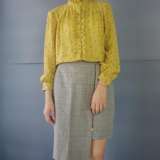 Treasure hunt vintage - mustard polka dot lace collar retro shirt