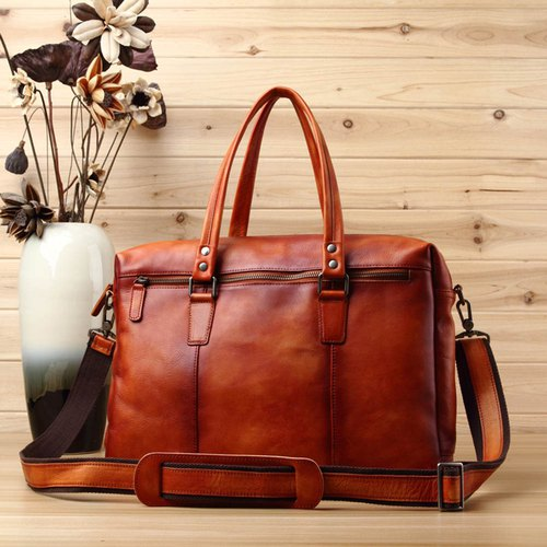 Lightweight leather briefcase bag shuttle