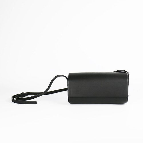 Charlene design sense of hard shell leather small square bag