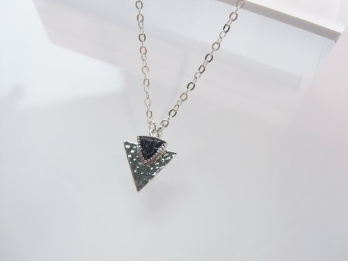 Black Marble - Triangle Arrow Spear Pendant Necklace - 925 Silver