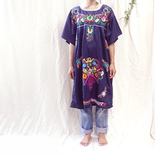 * BajuTua / Vintage / 70's Mexican-made rainbow hand-embroidered dress