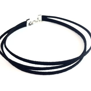 Version three thin black necklace