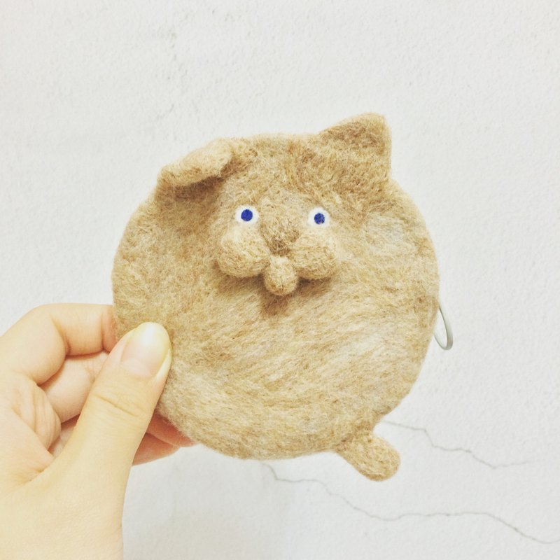 Wool Felt Round Wallet ||| Lazy Little Brown Haired Cat
