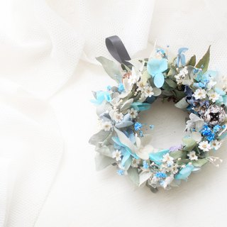 Northland Forest Elf Wreath, Eucalyptus Leaf and Light Blue Hydrangea Dry Flower Classic Flower Ceremony