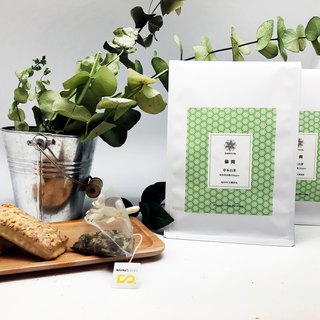 Herbal white tea with elegant combination of lemon balm with lemongrass and lemongrass sweet fragrance entrance
