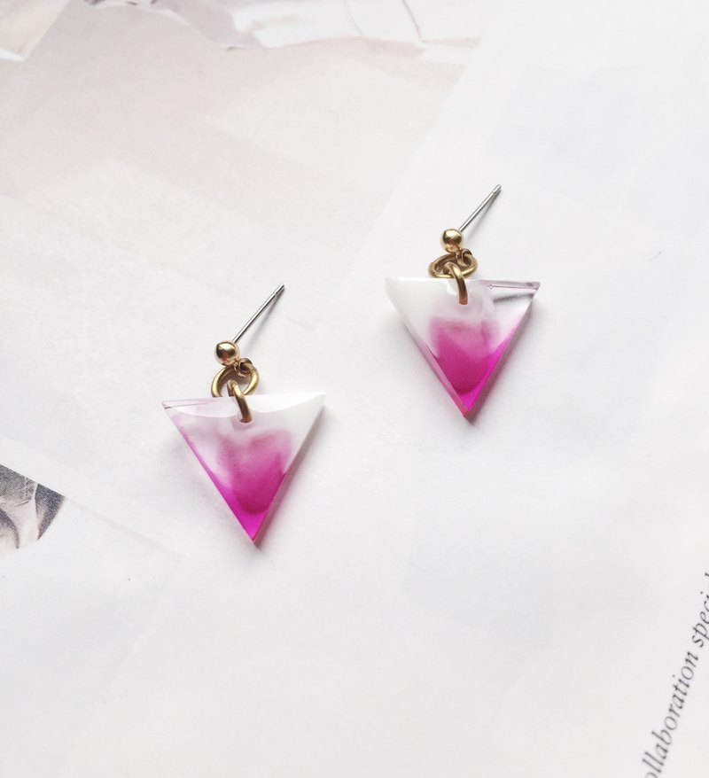 La Don - Inverted Triangle Red Violet 02 Ear Pin / Ear Clip