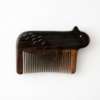 Tan Carpenter_Noah's Ark_Ebony Kitten Comb