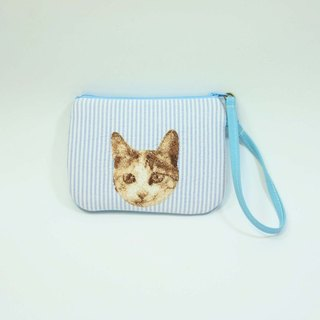 Hand-embroidered purse 05- cat