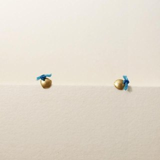 18 karat gold stud earrings (SS) Blue