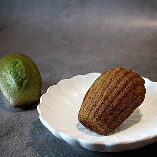 . Tabby hand made. Madeleine shell cake. Hill round Matcha. 8 copies